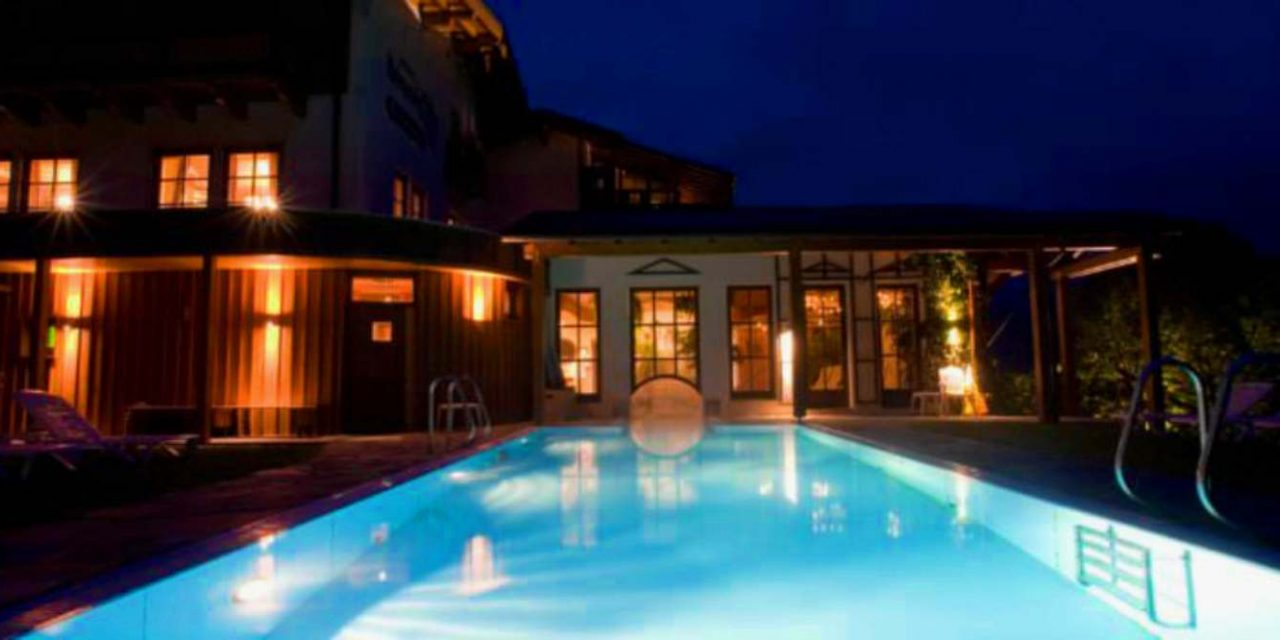 https://asthma.reisen/wp-content/uploads/2019/02/Hotel-Krimmlerfälle-4-Sterne-mit-Schwimmbad-1280x640.jpg