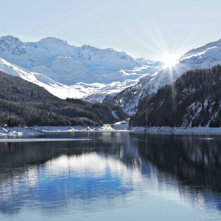 Der Schlegeisspeicher liegt auf 1.782 m (Stauziel), er bedeckt ca. 2 km² des Schlegeisgrunds