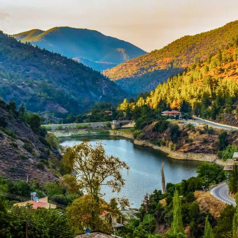 Das Stauziel des Speichersees liegt bei 1.405 m, es können bis zu 50,7 Mio. m³ Wasser gespeichert werden