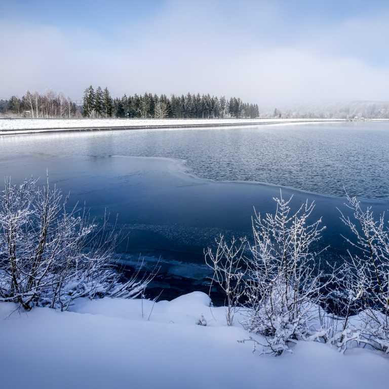 Auf 1850 m Meereshöhe befindet sich ein weiterer Stausee des Zillertales, der Speicher Zillergründl