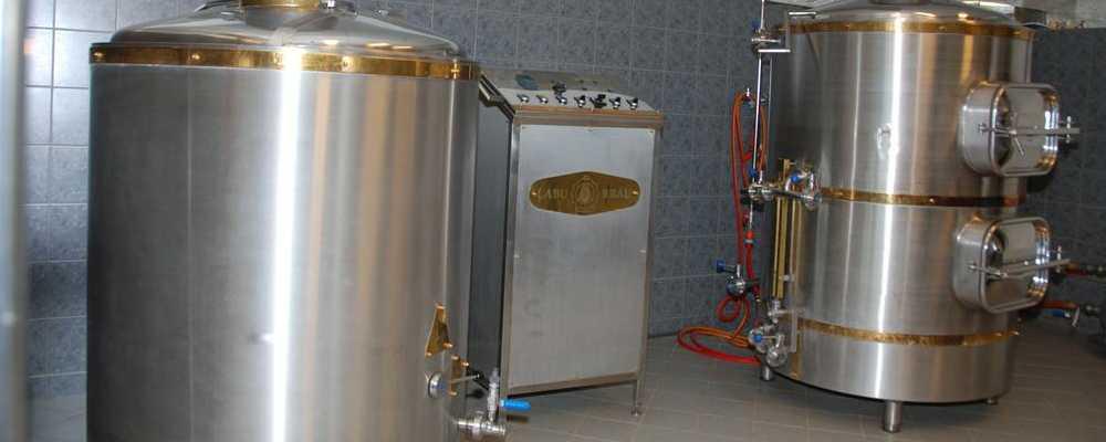 Die verschiedenen Bierspezialitäten, Brände und Liköre aus unserer Privatbrauerei